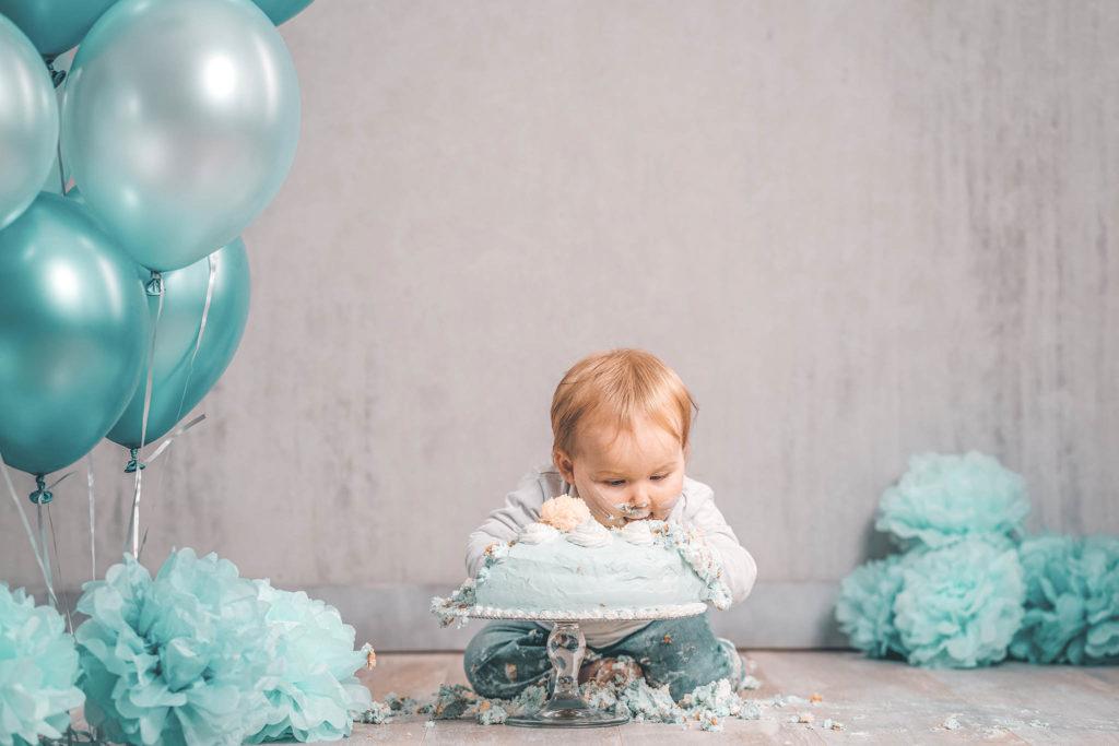 Cake-Smash-Baby-Fotostudio-Fotografin-Set-Düsseldorf-Babyfotografie