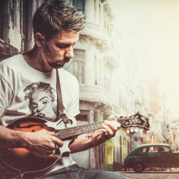 Mann - Musiker - Compsing - Kuba - Photoshop - Düsseldorf - Studio -Fotograf